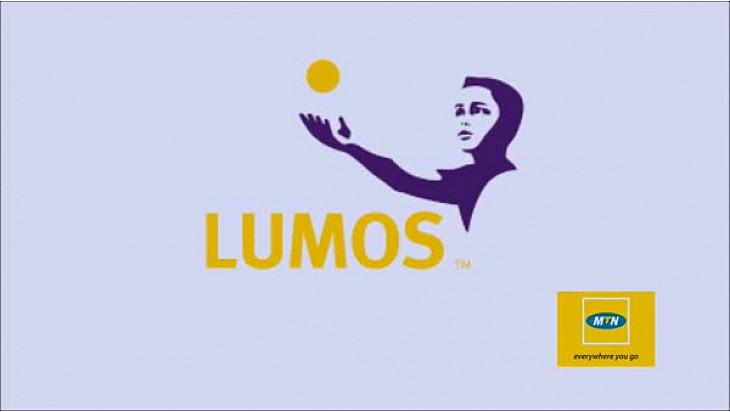 Publireportage du lancement du service d'électricité solaire pour la CIV de LUMOS Global